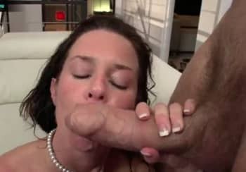 Hot Mature Veronica Avluv Squirting On Big Uncut Cock