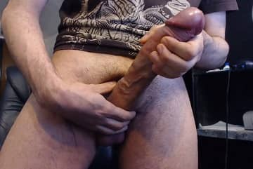 11Inches Monster Cock Solo On Webcam HD