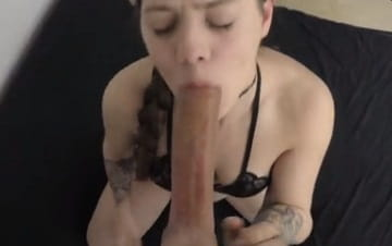Amateur Tattooed GF Sucking BWC