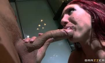 Anaconda Dick Fucks Milf Kelly Divine HD