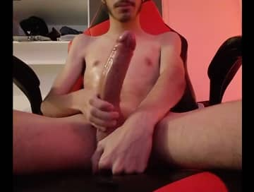 White guy jerks 11 inches cock on webcam